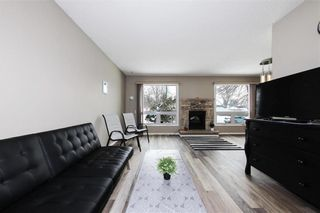 Photo 4: 29 East Lake Drive in Winnipeg: Waverley Heights Residential for sale (1L)  : MLS®# 202108599