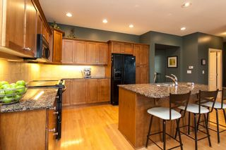"""Photo 6: 20432 67B Avenue in Langley: Willoughby Heights House for sale in """"The Gables"""" : MLS®# R2052019"""