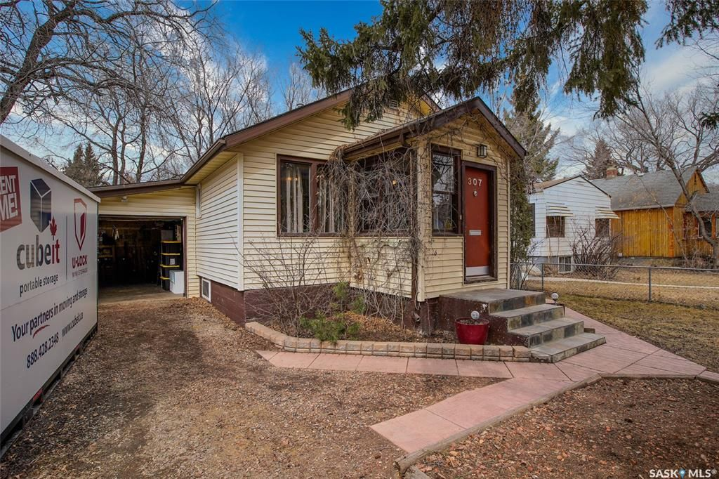 Main Photo: 307 Taylor Street West in Saskatoon: Buena Vista Residential for sale : MLS®# SK814097
