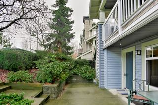 """Photo 2: 28 7488 SOUTHWYNDE Avenue in Burnaby: South Slope Townhouse for sale in """"LEDGESTONE I"""" (Burnaby South)  : MLS®# R2345140"""