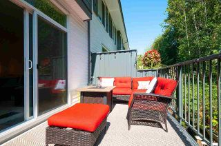 """Photo 2: 12 18681 68 Avenue in Surrey: Clayton Townhouse for sale in """"Creekside"""" (Cloverdale)  : MLS®# R2391665"""