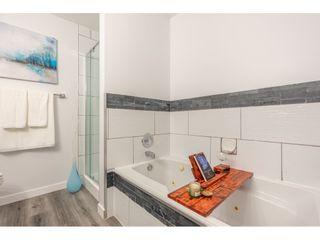 "Photo 15: 307 1234 MERKLIN Street: White Rock Condo for sale in ""Ocean Vista"" (South Surrey White Rock)  : MLS®# R2377781"