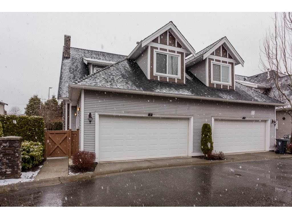 Main Photo: 31 19977 71 AVENUE in Langley: Willoughby Heights Townhouse for sale : MLS®# R2144676