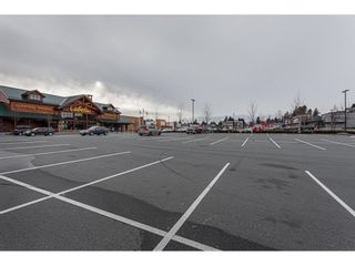 """Photo 17: 108 33850 FERN Street in Abbotsford: Central Abbotsford Condo for sale in """"Fernwood Manor"""" : MLS®# R2430522"""