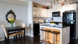 """Photo 13: 804 151 W 2ND Street in North Vancouver: Lower Lonsdale Condo for sale in """"SKY"""" : MLS®# R2260596"""