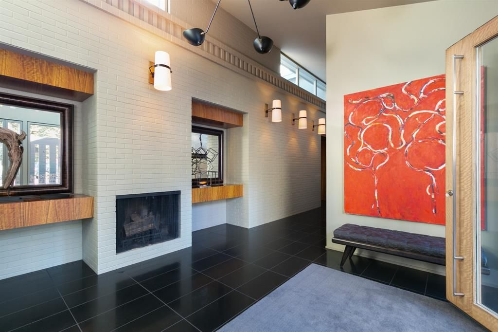 Photo 3: Photos: 6128 Belvedere Road SW in Calgary: Bel-Aire Detached for sale : MLS®# A1064403