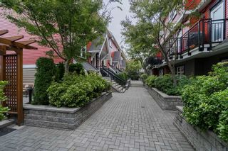 "Photo 17: 2284 ST. GEORGE Street in Vancouver: Mount Pleasant VE Townhouse for sale in ""VANTAGE"" (Vancouver East)  : MLS®# R2313489"
