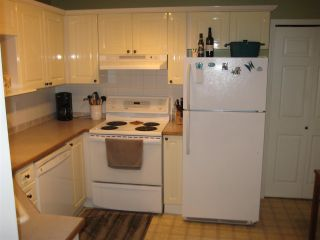 """Photo 7: 201 12088 66 Avenue in Surrey: West Newton Condo for sale in """"LAKEWOOD TERRACE"""" : MLS®# R2588884"""