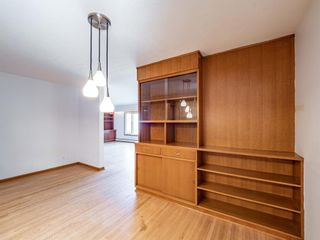 Photo 3: 17 Melville Place SW in Calgary: Mayfair Detached for sale : MLS®# A1083727