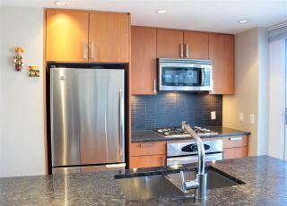 """Photo 8: 1001 2978 GLEN Drive in Coquitlam: North Coquitlam Condo for sale in """"GRAND CENTRAL ONE"""" : MLS®# R2247813"""