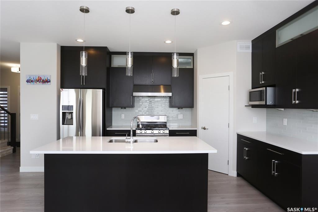 Photo 7: Photos: 230 Warder Cove in Saskatoon: Stonebridge Residential for sale : MLS®# SK843187