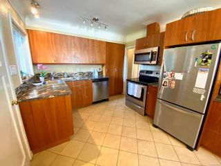 Photo 11: 420 Richmond Ave in : Vi Fairfield East House for sale (Victoria)  : MLS®# 874416