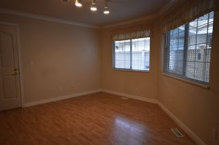 """Photo 5: 103 9715 148A Street in Surrey: Guildford Townhouse for sale in """"Chelsea Gate"""" (North Surrey)  : MLS®# R2169261"""