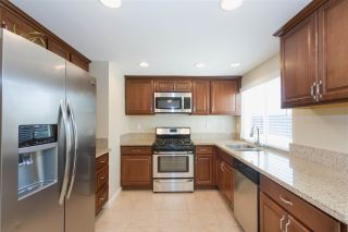 Photo 3: EAST SAN DIEGO House for sale : 3 bedrooms : 1253 Armstrong Circle in Escondido