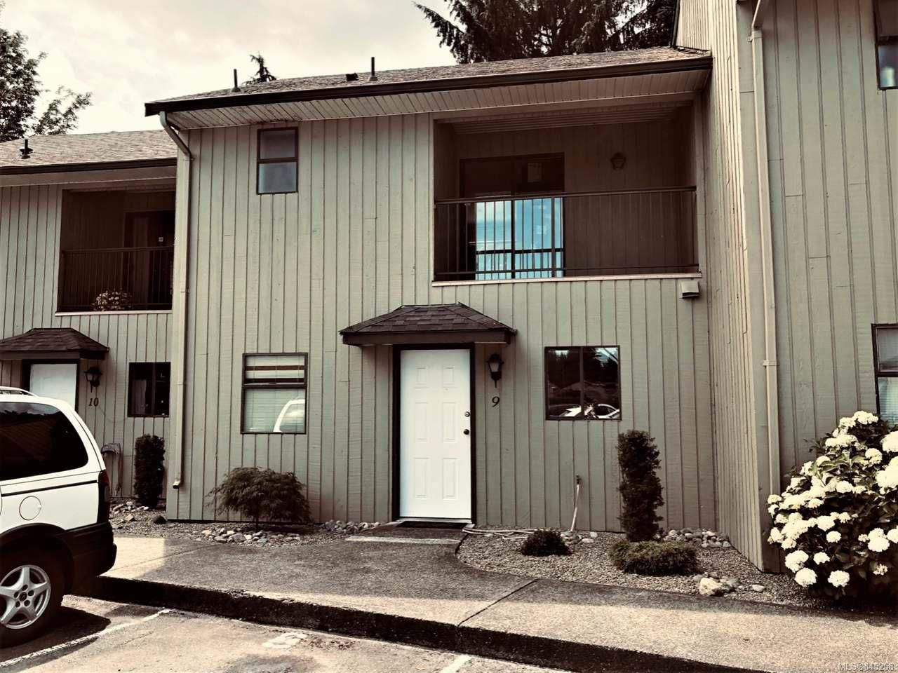 Main Photo: 9 3350 W Island Hwy in QUALICUM BEACH: PQ Qualicum Beach Row/Townhouse for sale (Parksville/Qualicum)  : MLS®# 845258