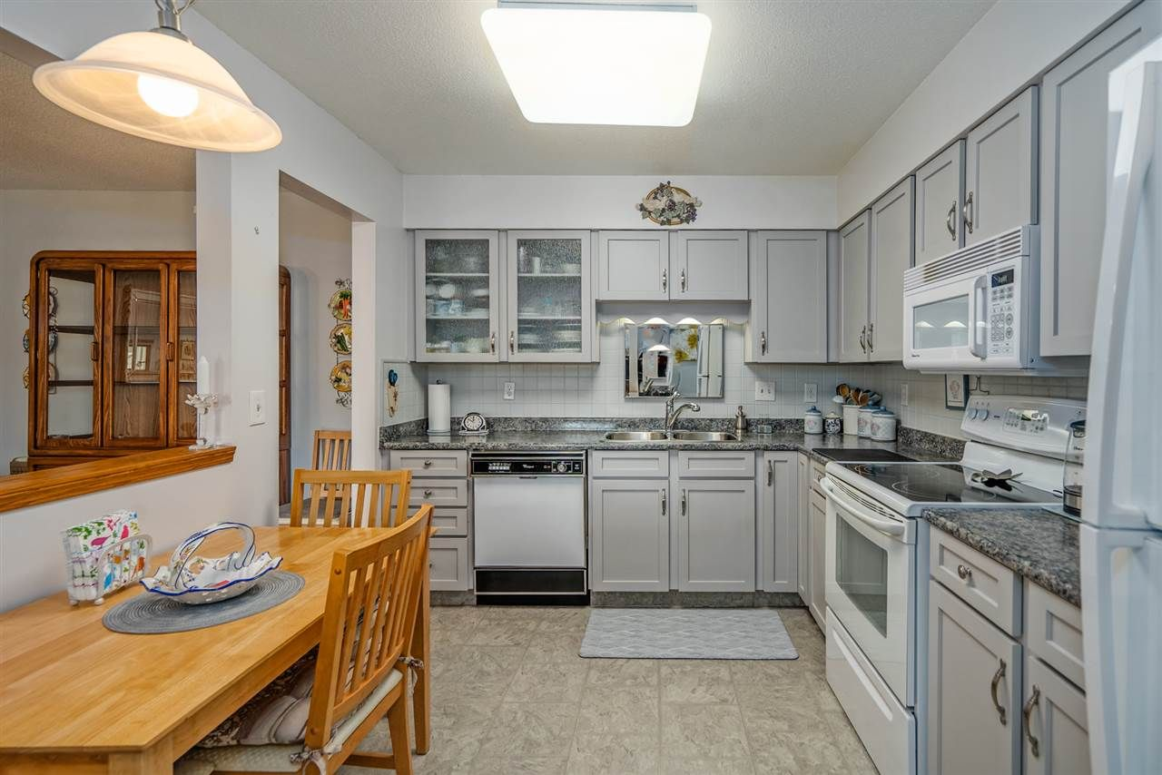 """Photo 13: Photos: 208 2277 MCCALLUM Road in Abbotsford: Central Abbotsford Condo for sale in """"ALAMEDA COURT"""" : MLS®# R2547587"""