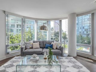 Photo 5: 406 590 NICOLA STREET in Vancouver: Coal Harbour Condo for sale (Vancouver West)  : MLS®# R2302772