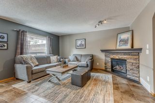 Photo 3: 224 Somerglen Common SW in Calgary: Somerset Detached for sale : MLS®# A1087155