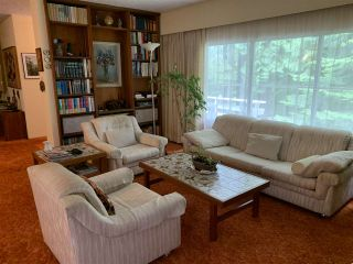 Photo 5: 414 E CARISBROOKE Road in North Vancouver: Upper Lonsdale House for sale : MLS®# R2556019
