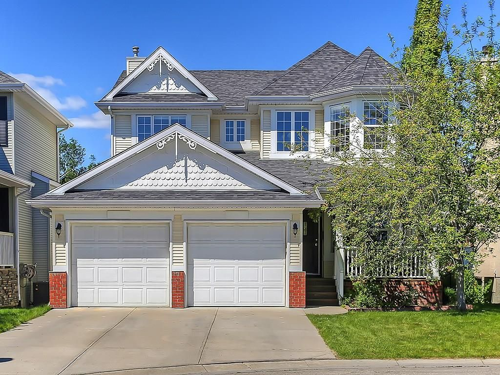 Main Photo: 327 DISCOVERY Place SW in Calgary: Discovery Ridge House for sale : MLS®# C4117390