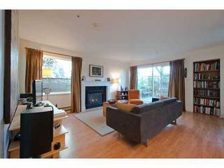 Photo 2: 1 1568 22ND Ave E in Vancouver East: Knight Home for sale ()  : MLS®# V997927