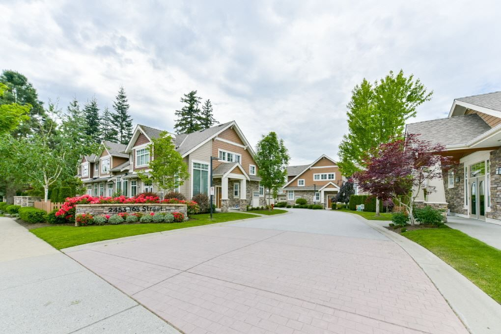 Main Photo: 9 2453 163 Street in Surrey: Grandview Surrey Townhouse for sale (South Surrey White Rock)  : MLS®# R2301850