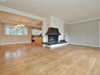 Photo 3: 536 Acland Ave in VICTORIA: Co Wishart North House for sale (Colwood)  : MLS®# 804616