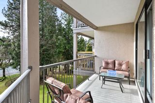 """Photo 15: 208 1740 SOUTHMERE Crescent in Surrey: Sunnyside Park Surrey Condo for sale in """"CAPSTAN WAY"""" (South Surrey White Rock)  : MLS®# R2234787"""