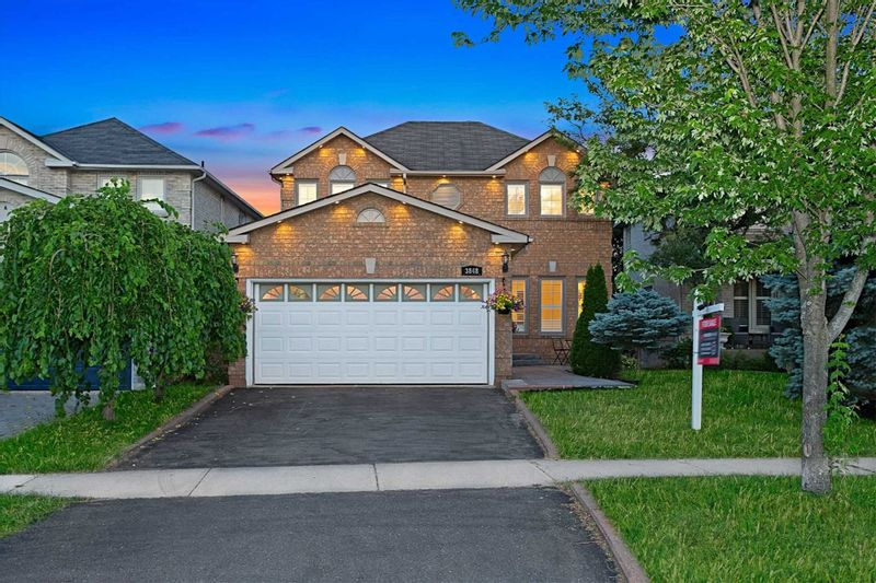FEATURED LISTING: 3848 Periwinkle Crescent Mississauga