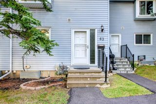 Main Photo: 63 4810 40 Avenue SW in Calgary: Glamorgan Row/Townhouse for sale : MLS®# A1145760