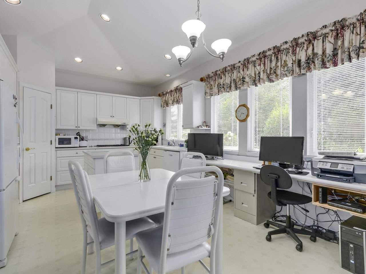 "Photo 7: Photos: 20 14888 24 Avenue in Surrey: Sunnyside Park Surrey Townhouse for sale in ""Meridian Park Estates"" (South Surrey White Rock)  : MLS®# R2296023"