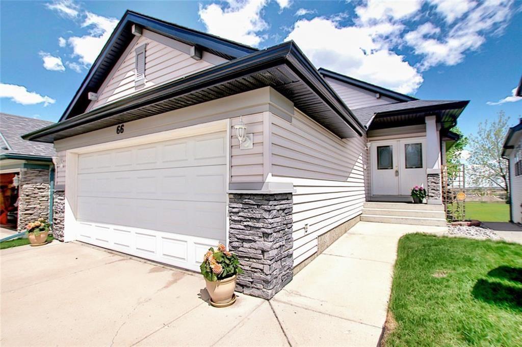 Main Photo: 66 SOMERGLEN Road SW in Calgary: Somerset Detached for sale : MLS®# C4297669