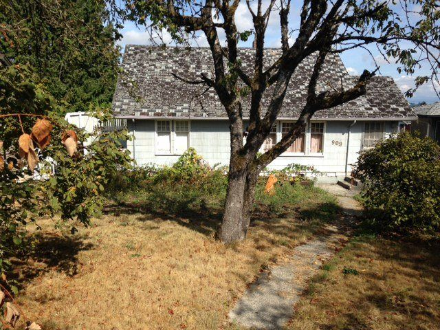 Main Photo: 909 KENT Street in New Westminster: The Heights NW House for sale : MLS®# R2204172