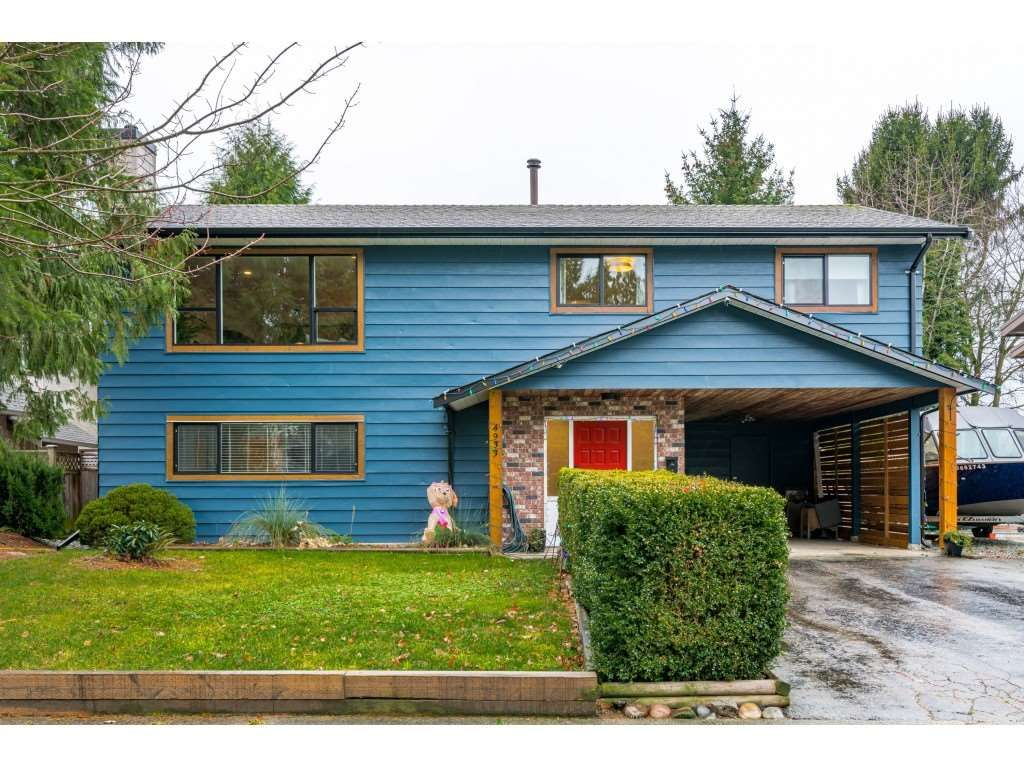 """Main Photo: 4933 209 Street in Langley: Langley City House for sale in """"Nickomekl/Newlands"""" : MLS®# R2522434"""