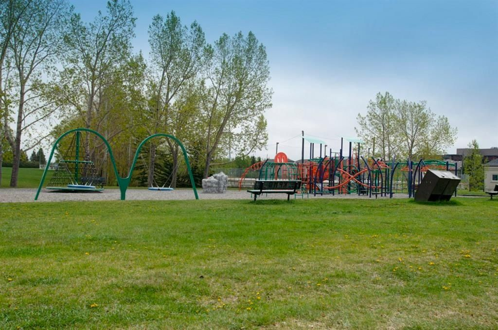 Photo 42: Photos: 32 Prominence Park SW in Calgary: Patterson Row/Townhouse for sale : MLS®# A1112438
