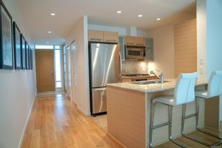 Photo 3: 318 68 Songhees Rd in : VW Songhees Condo for sale (Victoria West)  : MLS®# 886313