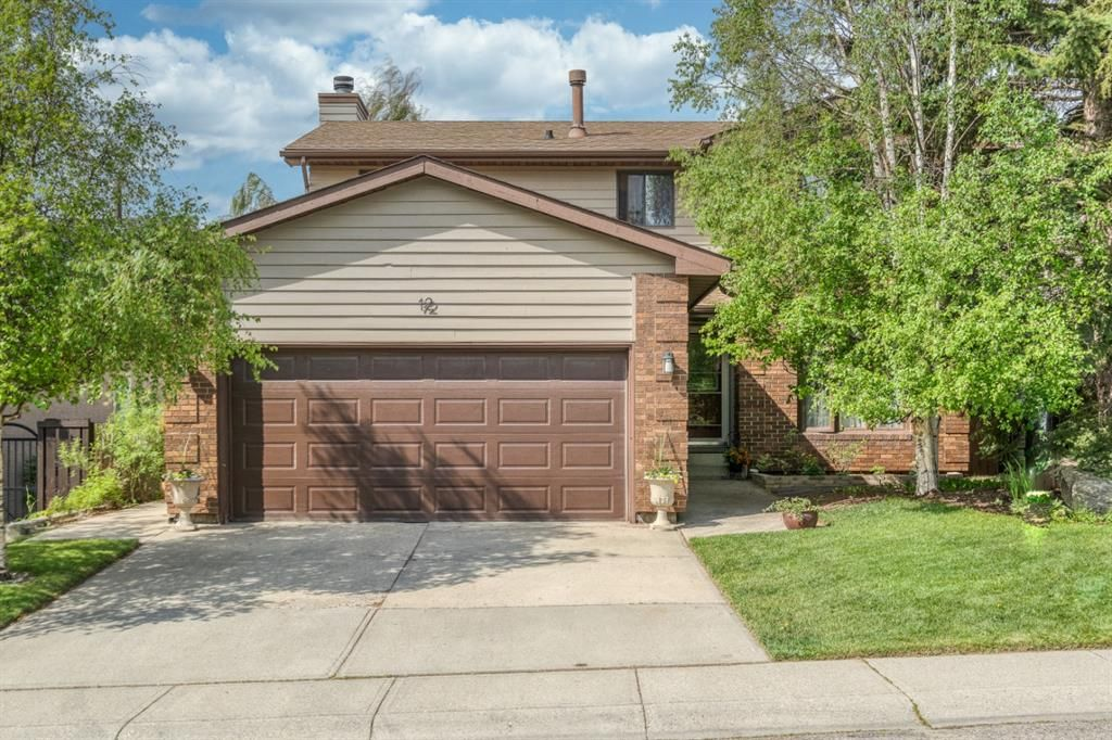 Main Photo: 12 Hawkfield Crescent NW in Calgary: Hawkwood Detached for sale : MLS®# A1120196