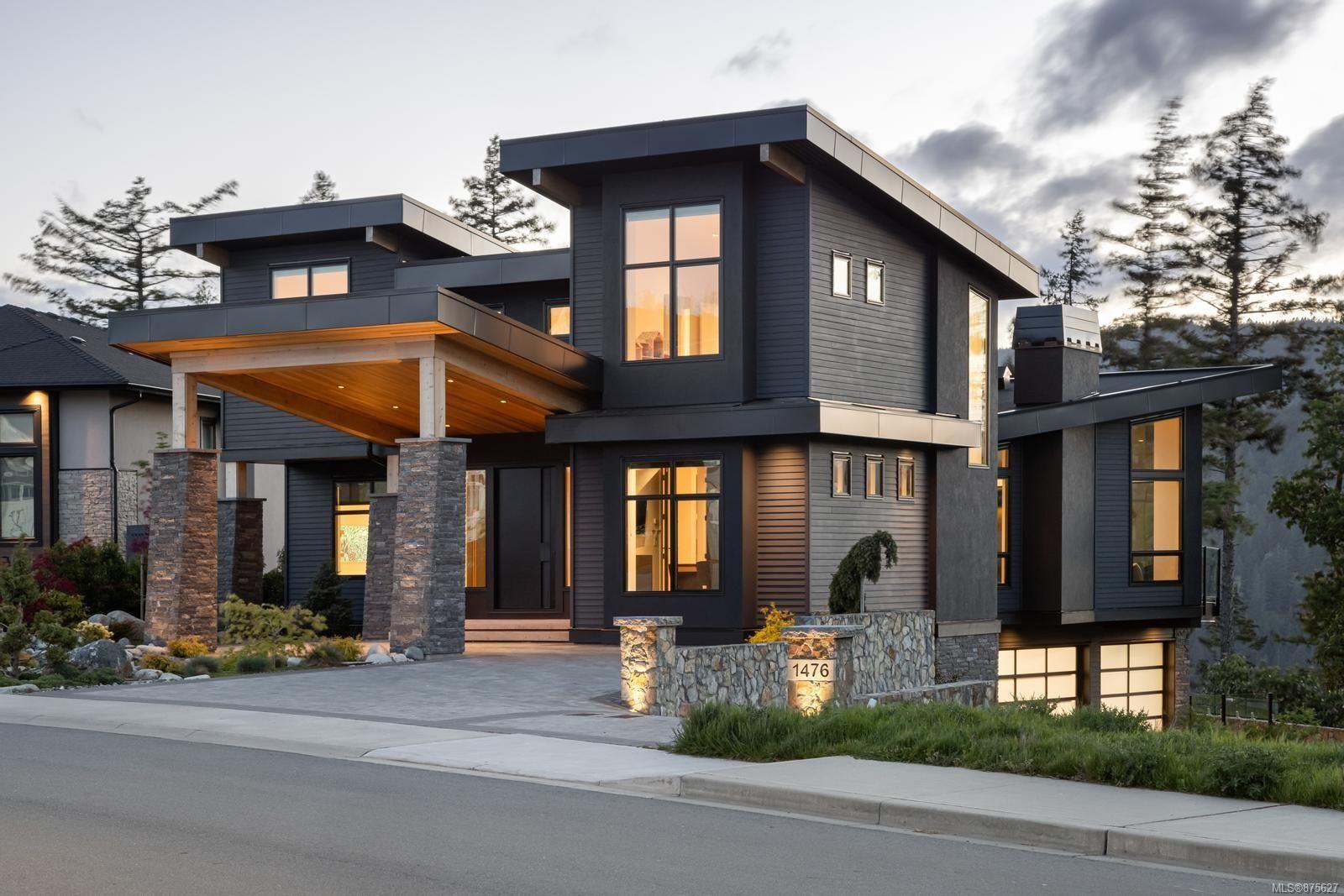 Main Photo: 1476 Pebble Pl in : La Bear Mountain House for sale (Langford)  : MLS®# 875627