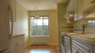 Photo 6: 106 6363 121st Street in Surrey: Panorama Ridge Condo for sale : MLS®# F1435469