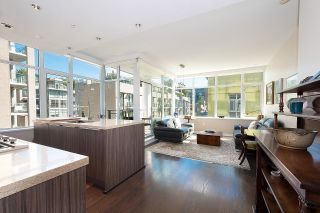 """Photo 7: 410 181 W 1ST Avenue in Vancouver: False Creek Condo for sale in """"The Brook"""" (Vancouver West)  : MLS®# R2614809"""