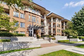 Photo 2: 303 3105 LINCOLN AVENUE in Coquitlam: New Horizons Condo for sale : MLS®# R2493905