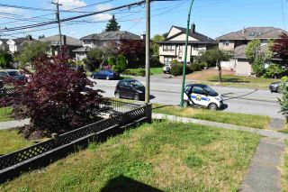 Photo 3: 7050 - 7052 SUSSEX Avenue in Burnaby: Metrotown Duplex for sale (Burnaby South)  : MLS®# R2525871