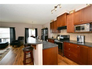Photo 4: 193 ROYAL CREST VW NW in Calgary: Royal Oak House for sale : MLS®# C4107990