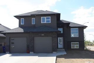 Photo 1: 727 1st Avenue North in Warman: Residential for sale : MLS®# SK840991