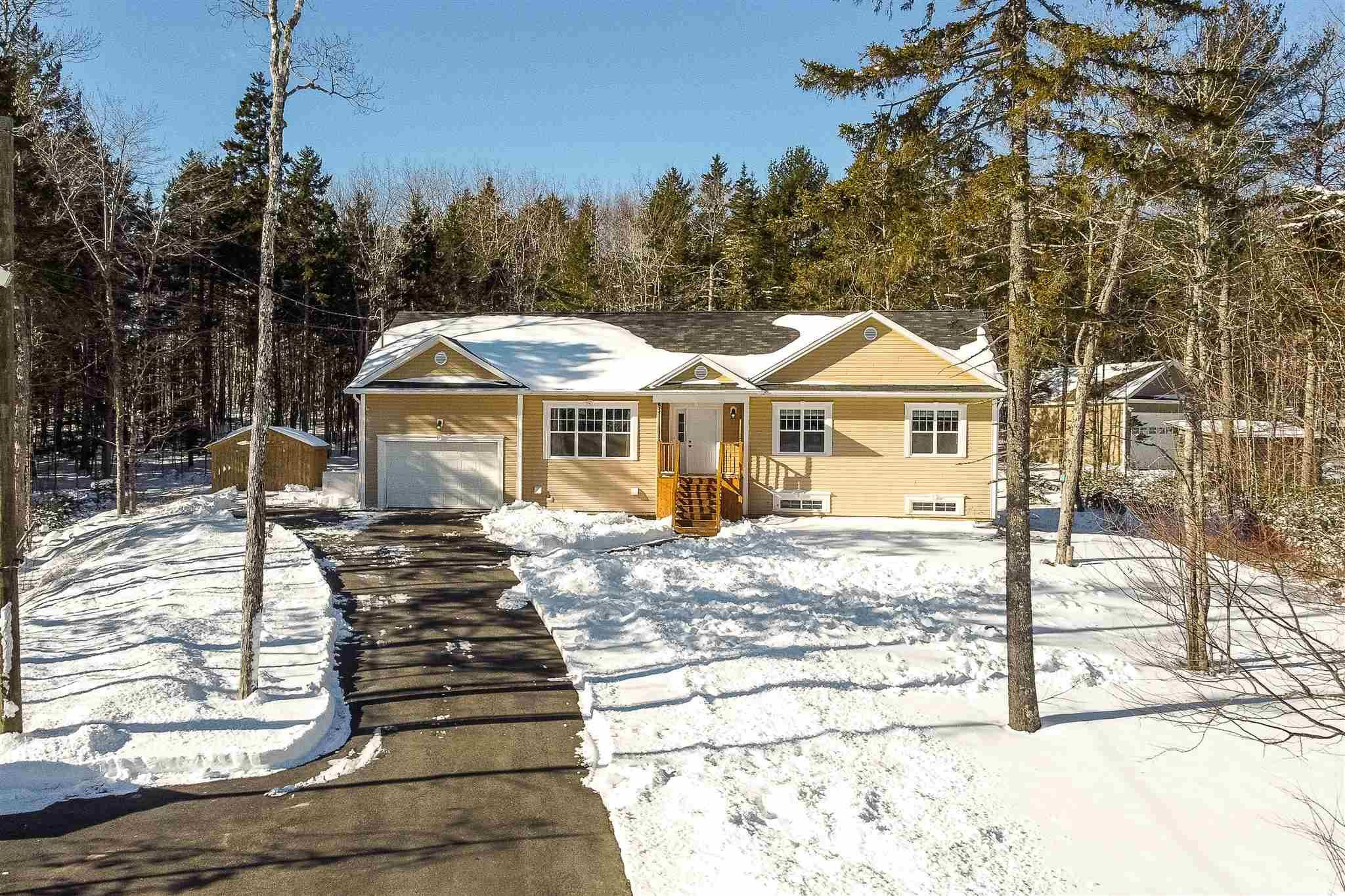 Main Photo: 83 Crooked Stick Pass in Beaver Bank: 26-Beaverbank, Upper Sackville Residential for sale (Halifax-Dartmouth)  : MLS®# 202102585