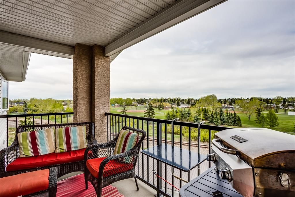 Beautiful View off the balcony , large enough to set up patio furniture