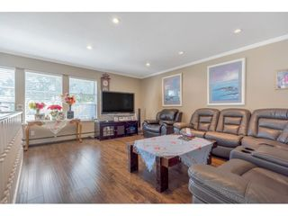 """Photo 6: 18063 60 Avenue in Surrey: Cloverdale BC House for sale in """"Cloverdale"""" (Cloverdale)  : MLS®# R2575955"""