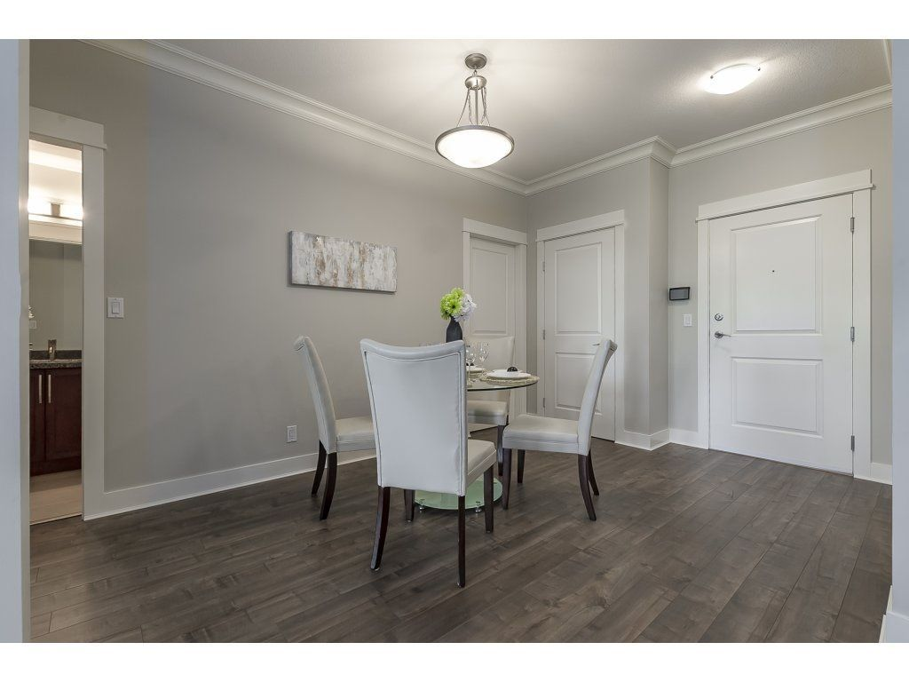 """Photo 9: Photos: 318 5430 201 Street in Langley: Langley City Condo for sale in """"The Sonnet"""" : MLS®# R2282213"""