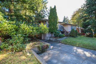 Photo 3: 2311 Strathcona Cres in : CV Comox (Town of) House for sale (Comox Valley)  : MLS®# 858803