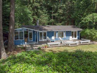 Photo 1: 1590 OCEAN BEACH Esplanade in Gibsons: Gibsons & Area House for sale (Sunshine Coast)  : MLS®# R2598013